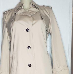 Eitienne Aigner sz 6 trench coat *no belt*